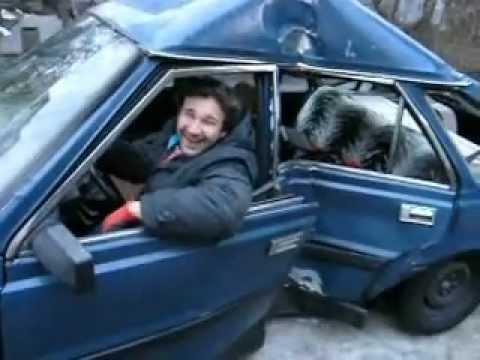russisk bil krasjer videoer restauranten